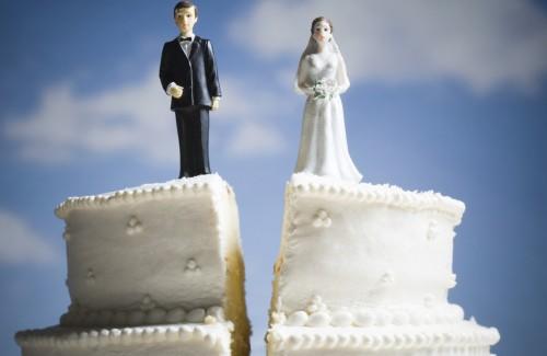 42-24170550-500x325-Scheidung, Versicherungen überprüfen